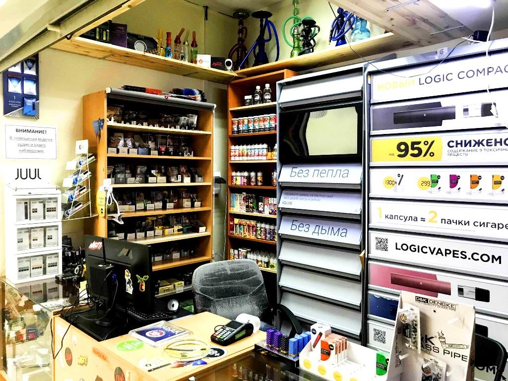 Табачный магазин у метро. Высокая проходимость