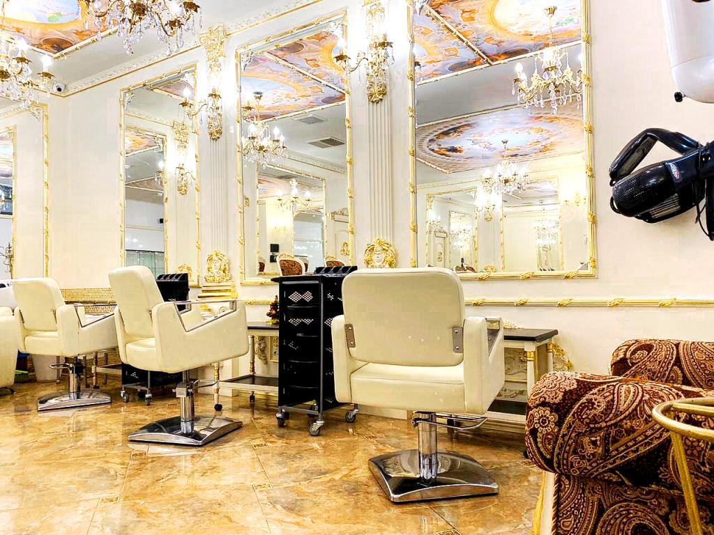 Салон красоты у ГУМ-а. Прибыль от 200.000 рублей!