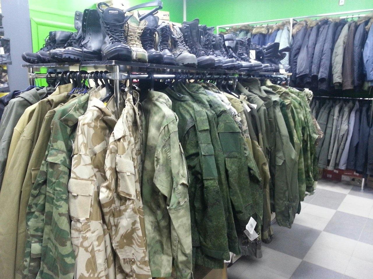 Магазин одежды в круглосуточном ТРЦ
