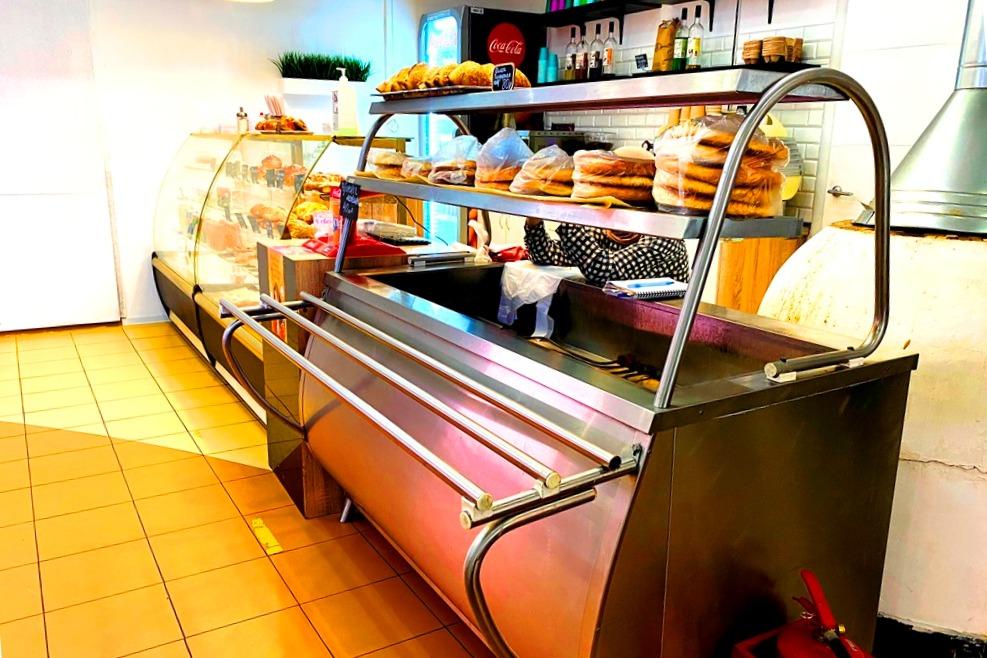 Пекарня, кафе. 50м от метро. Прибыль 100.000р