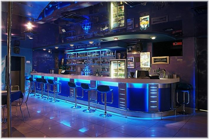 Клуб ресторан на станции Октябрьская